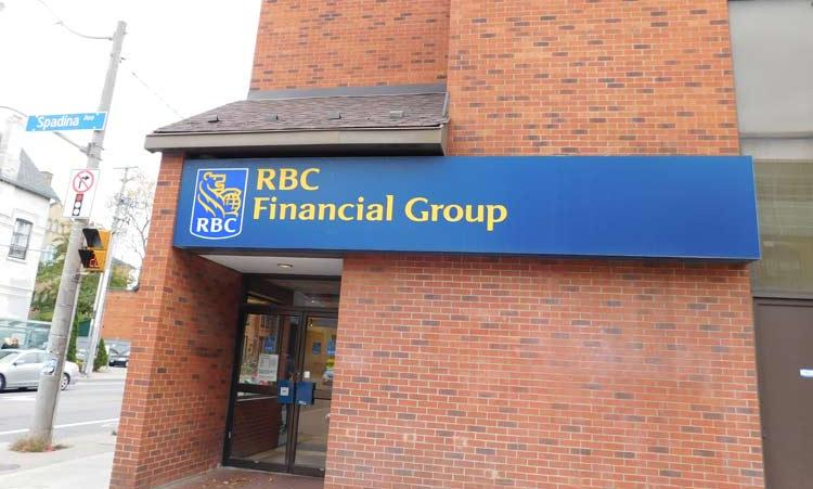 Picture of Royal Bank on Harbord and Spadina